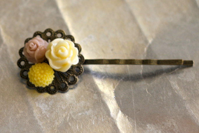 Araluen in bright yellow : antique brass bobby pins hair clips