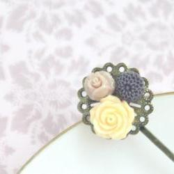 Decorative antique bobby pin resin flowers